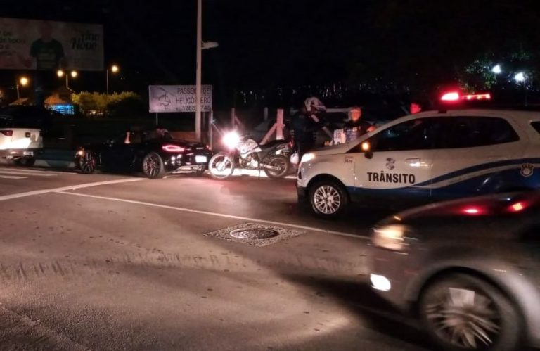 Agentes de Trânsito impedem racha e atendem a acidente
