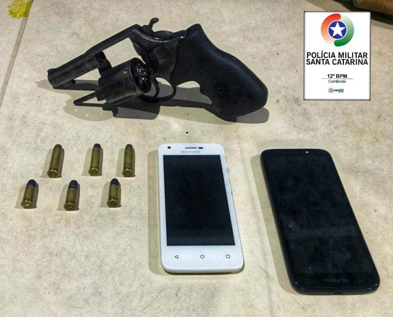 Homem é preso em posse de revólver e dois celulares roubados no Monte Alegre